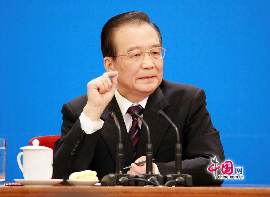 国务院总理温家宝会见中外记者并回答记者提问 (中国网 董德摄影)