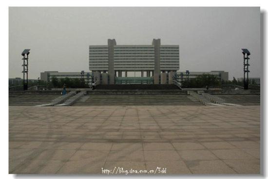 山东德州市政府大楼。图片来自网络