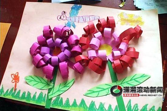 (手工制作玫瑰,将彩色纸剪成各种形状的贺卡.视频截图)-手工贺