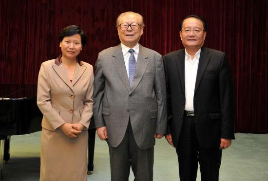 江泽民接见上海海洋大学校领导