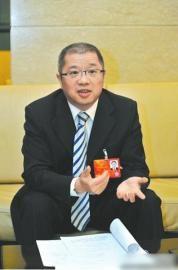 全国人大代表、中国移动四川公司总经理简勤。