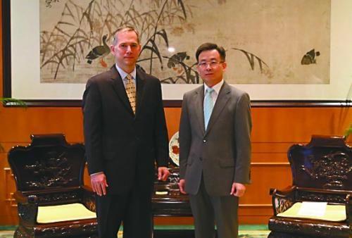 27日,中国外交部驻港特派员宋哲会见夏千福。
