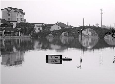广济桥看上矬了壹截