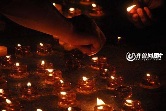 悼念 蜡烛 矢量图
