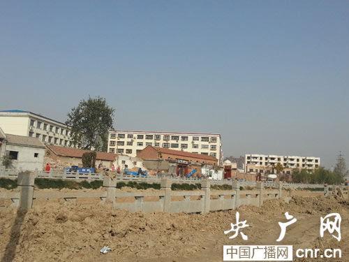 在濮阳到处都能见到拆迁的场景