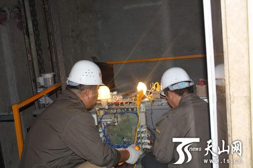 新疆特检院首次对电梯安装过程进行监督检验