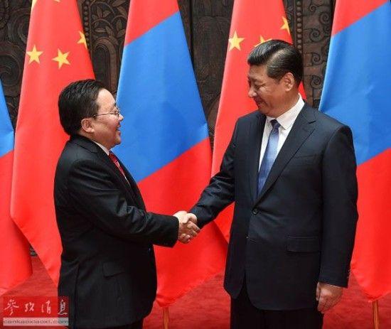 资料图:5月19日,国家主席习近平在上海会见蒙古国总统额勒贝格道尔吉。新华社记者马占成摄