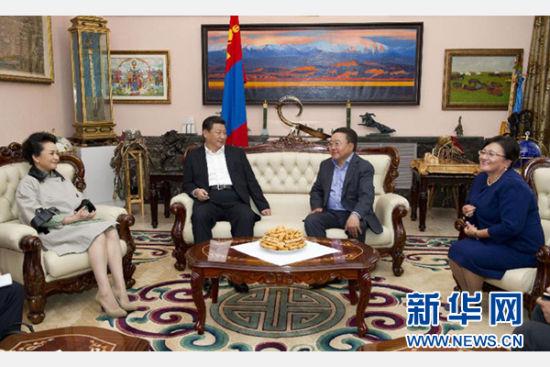 8月22日,国家主席习近平同蒙古国总统额勒贝格道尔吉在乌兰巴托市郊的总统官邸再次会晤。 新华社记者 黄敬文 摄