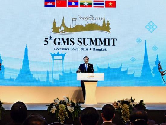 12月20日,国务院总理李克强在曼谷出席大湄公河次区域经济合作第五次领导人会议开幕式。记者饶爱民摄