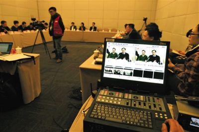昨日,北京市政协十二届三次会议小组讨论会上,首次网络直播小组讨论会。新京报记者 薛珺 摄