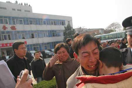 河南男童失踪案获总理批示300民警8天破案