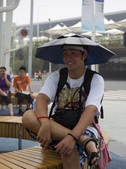世博局将研究更多主动措施防止游客中暑