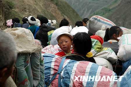 组图:四川阿坝11万余人紧急转移