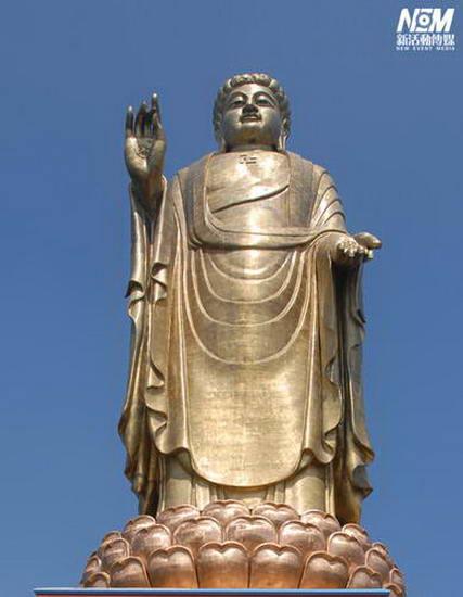 图文:中原释迦大佛全身像