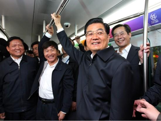 胡锦涛考察北京国庆安保交通旅游工作(组图)