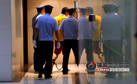 长沙机场大巴纵火案罪犯一审被判死刑(组图)