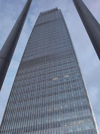 北京第一高楼正式对外亮相能防飞机撞击(组图)
