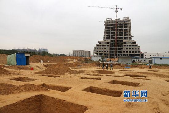 共发掘出墓葬五十六座