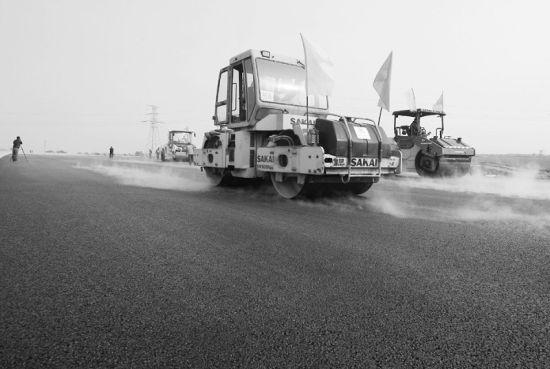 河北:河北石安高速主体工程完工年底将全线通车(组图)