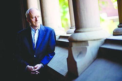 哈佛大学教授迈克尔・桑德尔