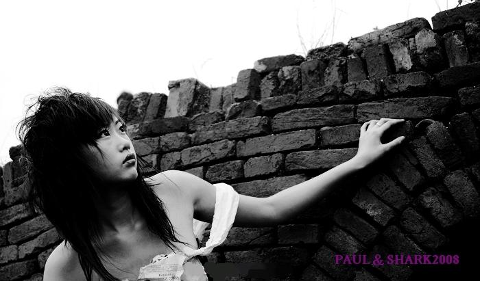 咪咪人体艺术爱人体_18岁少女海口拍人体写真 尽显颓废美[图](二)