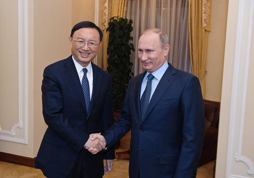 2013年2月20日,俄罗斯总统普京在莫斯科会见了中国外交部部长杨洁篪。