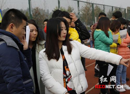 湖南信息学院举办招聘会 毕业生创业成功回校