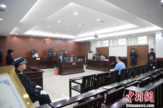 广东坟爷占农地88亩建墓3232穴庭审拒认罪(图)