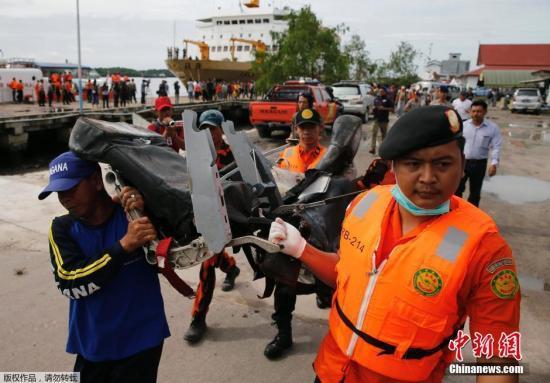 印尼官员:亚航飞机失事前曾以不同寻常速度爬升