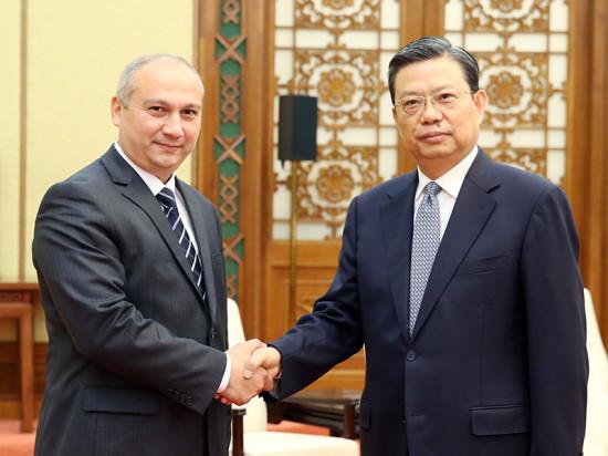 赵乐际会见乌兹别克斯坦多党联合考察团