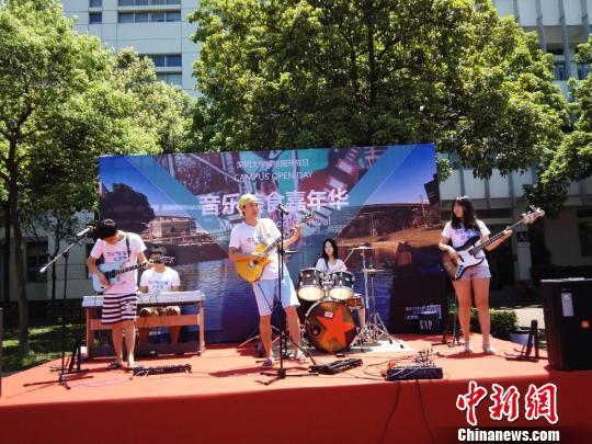 深圳大学城举行开放日 名校展优势资源