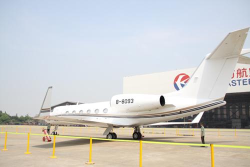在上海虹桥国际机场举行的第一次中国商业和私人飞机