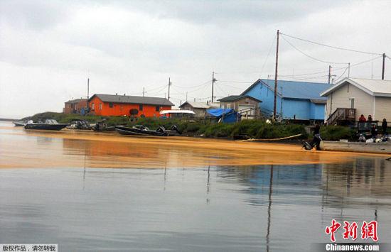 河流和饮用水库遭粉末污染。