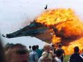 苏-27飞行表演时坠毁画面