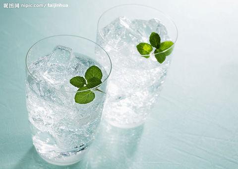 """夏天吃""""冰"""":4家冰室有广州人的青春记忆"""