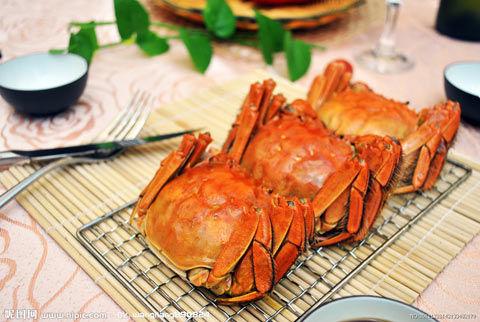 吃美脚丫大餐-立秋后就意味着已经进入了秋季,而秋季正是人们品尝螃蟹的最好时光
