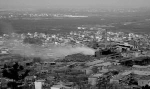 村民三年赶走污染工厂