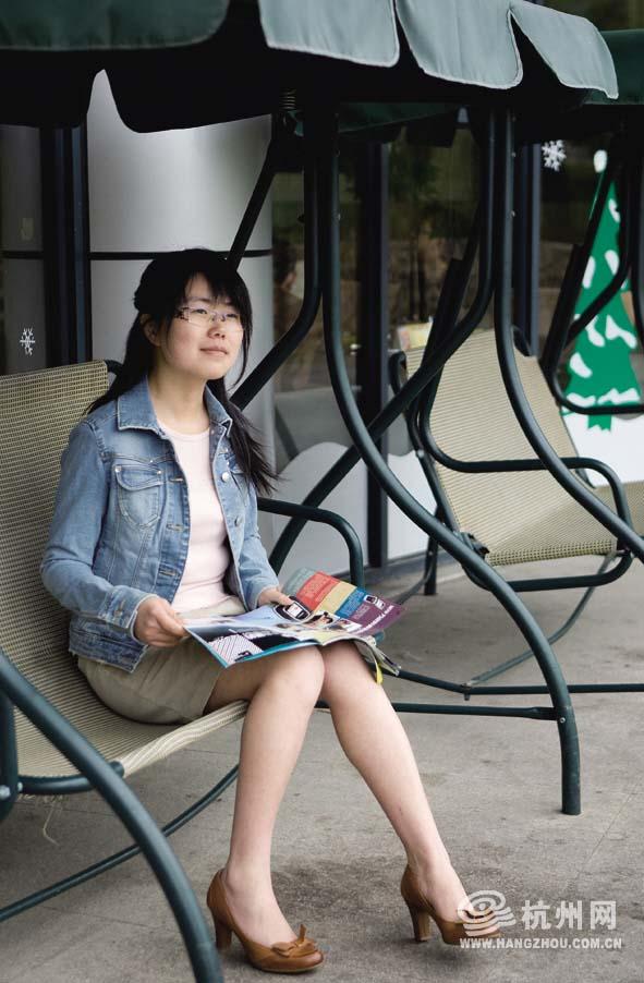 杭州滨江女大学生_杭州女大学生开网店一年开成三百万富翁?