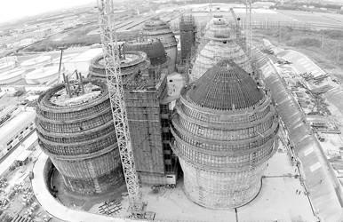 白龙港污泥处理工程主体结构已浇筑完工