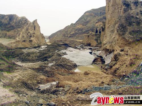 豪洋 公司开矿毁林损路 为何两年无人监管