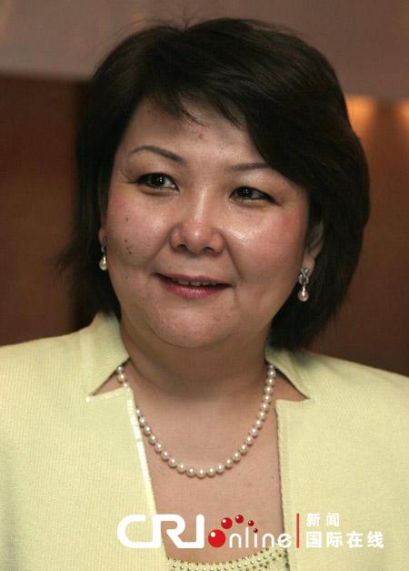 哈萨克斯坦高度重视深化同中国的战略伙伴关系