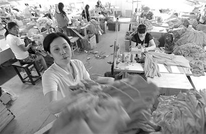 图文:荆州市岑河镇引导针纺企业发展
