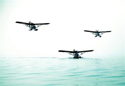 图文:a2c超轻型水上飞机俏市场