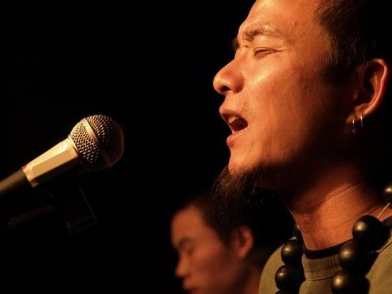 聚焦中国流浪歌手人群 独立艺人 街头梦碎图片