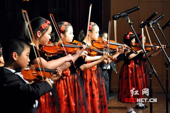 湖南首支小学生交响乐团平均登台献艺图片仅年龄生龙小学图片