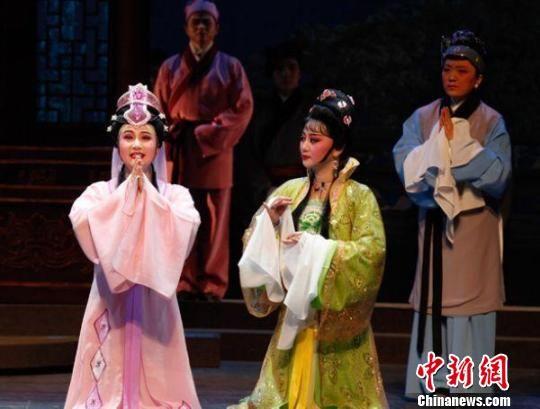 锡剧玉蜻蜓_阔别15年重返南京舞台 《玉蜻蜓》演绎母子团圆