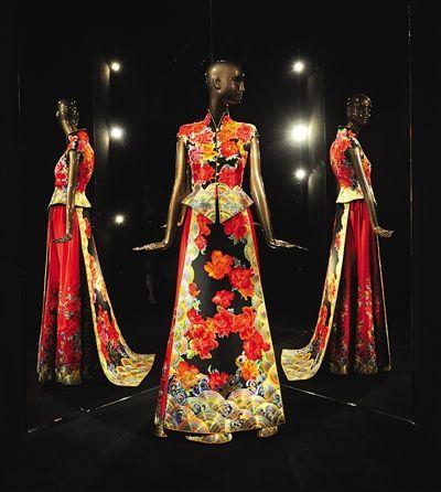 """时隔三年,郭培带着她的""""中国嫁衣""""回来了.图片"""
