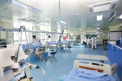 与时间赛跑的生命战士记自贡市第三人民医院急