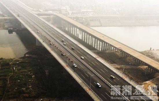 2月24日),京港澳高速长沙三一大道浏阳河大桥全线通车.图/滚动