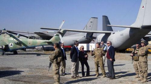 美国飞机阿富汗